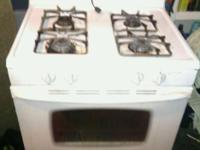 Gas kitchen stove just needs to be clean I'll clean it