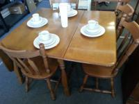 Have for sale a nice kitchen table and chair set. Comes