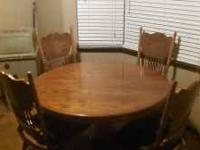 Looking to sale a kitchen table of 4 for $150. Table
