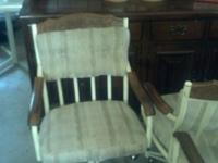 Medium wood table set with 4 matching chairs. The