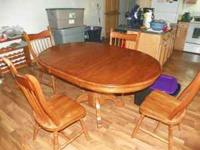 Kitchen table and 4 chairs (solid wood) perfect