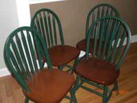 Kitchen table and 4 chairs. Perfect Condition. Email in