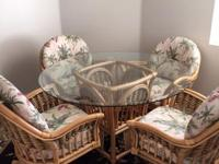 Kitchen table with 4 chairs made by Alexander &