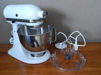 KitchenAid Artisan White 5Qt Stand Mixer.  Model