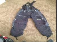 Klim towgatee bibs sz medium. Utilized 2 or 3 periods.