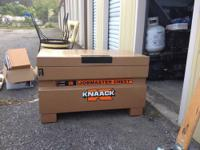Knaack Tool box. Brand new condition. Great for jobs.