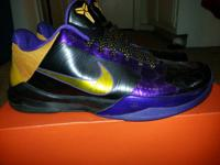 Nike Zoom Kobe V's in excellent condition. Only worn