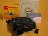 Kodak Carousel Slide Projector/Screen Kit including: