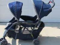 THIS IS A NICE KOHLCRAFT DOUBLE STROLLER IN EXCELLENT