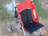 Very sturdy and compact stroller in bright red and
