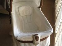 Kolcraft 2-in-1 Bassinet & Incline Sleeper - perfect