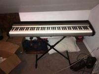 Superb Digital Stage Piano 88 keys with speakers! Keys
