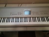 This Korg Triton Studio is in excellent condition with