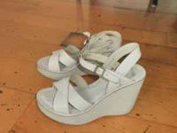 Kork-Ease Sandals in great condition. Size 6. Serious