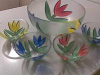 Forsale is a Kosta Boda Tulipa Glass bowl 5 piece set