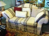 Beautiful Kroehler sofa and love seat with tan/earth