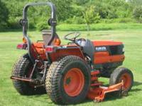 kubota 3010 compact tractor...hydrostatic...4 wheel