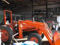 Nice Kubota L355 ss with loader. 4x4. shuttle shift