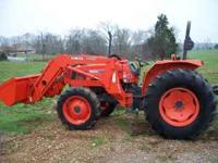 Kubota M8200 tractor 4wd with loader 900 hours great