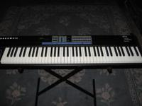 Kurzweil SP-76 electric keyboard, in excellent