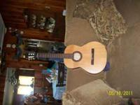 Seagull LaPatrie Etude Guitar in Pristine Condition.
