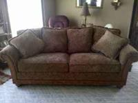 selling my la-z-boy couch, only used a few times, in