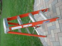 Fiberglass Louisville Ladder 4' Model Number FS1504