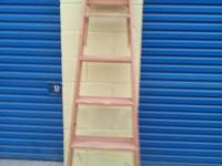 200lb. capacity 6 Foot wood Ladder in Excellent Sturdy