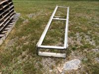 ALUMINUM LADDER RACK FOR TOP SIDE OF SERVICE BODY  HAS