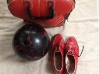 Ladies 12lb bowling ball, bag, & size 8 shoes. Used by