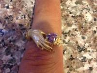 Ladies Amethyst Yellow Gold Ring. The ring is unstamped