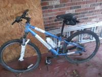 2004 Women's Extra Small Cannondale F400 Mountain Bike.
