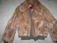 LADIES FUR COAT --USED---VERY GOOD SHAPE--ZIPPER FRONT