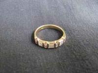 Beautiful 18K size 6 gold band with alternating