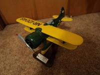 Laird LC-DW 400 Super Solution Model Plane with stand