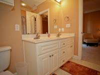 3 bedroom 2 and 1/2 bathroom townhouse. Washer/ Dryer