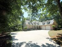 Lake Hartwell Executive Lakefront Home Location: