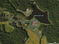 LAKESIDE ESTATE ON 16.20 ACRES Location: Lakefront
