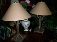 Two lovely matching lamps, metal base, includes lamp