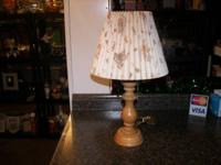 Lamp with Peter Rabbit on shade, wood base   Essential