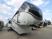 Landmark Newport Luxury 5th Wheel -1.5 Baths -Full Body