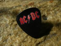 Guitar pick lapel pinsMusic group lapel pins made with