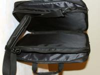 "Global Case Solo laptop bag, Urban 17.3"", model"