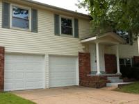 LARGE, BEAUTIFUL HOME IN HAZELWOOD WEST - Rent To Own!
