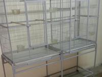 selling a big cage with divider in very good condition