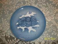 German Hutscenreuther Collector's Plate. This is the