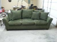 very nice couch in great shape email or cal  Location: