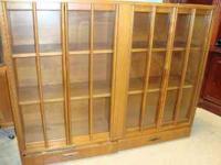 Large Curio Cabinet Display   $250 (columbus)