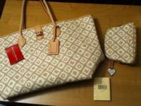 Large Dooney & Bourke purse New with tags. Tag says