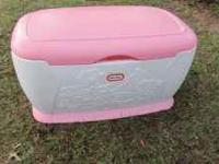 THIS IS A REALLY NICE LARGE GIRLS LITTLE TIKE TOY BOX